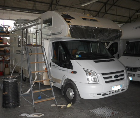 riparazione danno mansarda camper