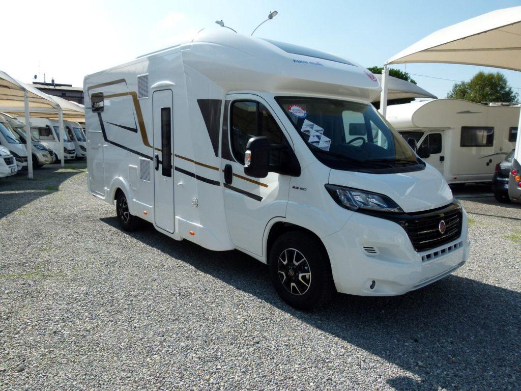 Eura Mobil Profila RS 695HB semintegrale garage pronta consegna Como