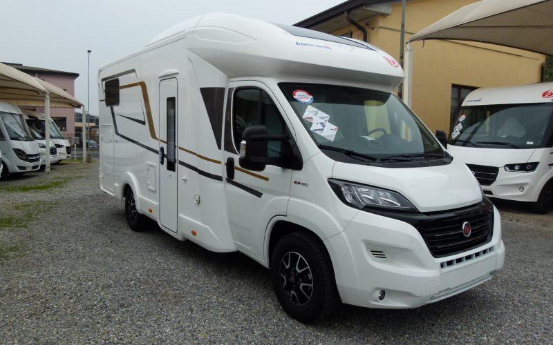 Eura Mobil Profila RS 695EB camper semintegrale letti gemelli e garage occasione pronta consegna Como presso Transweit concessionario e assistenza