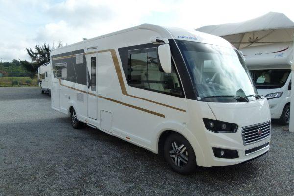 Eura Mobil Integra 760HS motorhome extra lusso in pronta consegna presso Transweit concessionario e assistenza Como