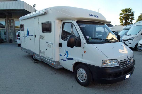 Elnagh Slim 4g camper semintegrale con garage usato in vendita presso Transweit concessionario e assistenza camper Como