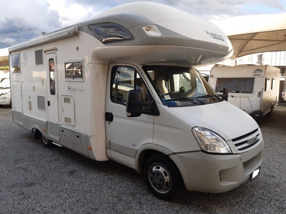 Mobilvetta Huari 1101 camper mansardato con garage su Iveco vendita presso transweit concessionario e assistenza Como