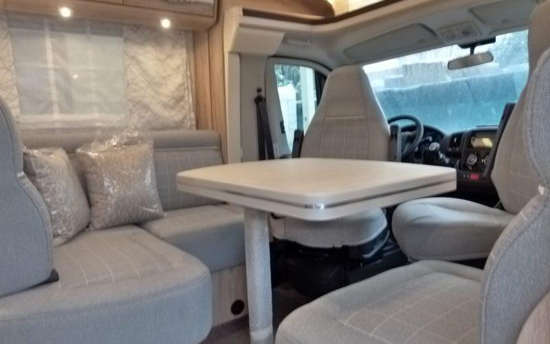 Eura Mobil Profila RS 695HB camper semintegrale con ampio garage in coda pronta consegna presso Transweit concessionario e assistenza Como