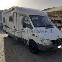 Arca 4.4 camper semintegrale con letto alla francese in vendita presso transweit