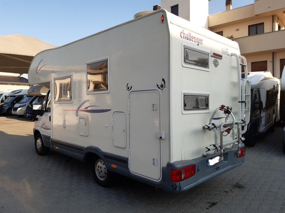 challenger-mageo-123-camper-mansardato-usato-con-letti ...