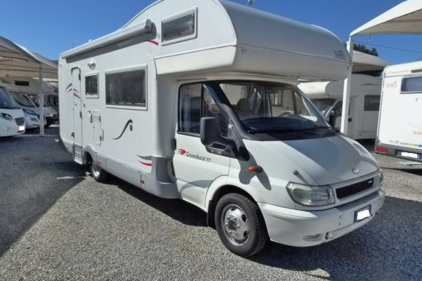Roller Team Granduca 77 camper mansardato 7 posti letto in vendita presso transweit concessionario e assistenza camper e caravan como
